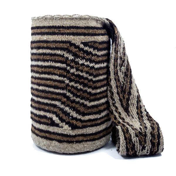 """Mochila Arhuaca Original """"Kunsumana Cheirua"""": Encuentra las mejores mochilas artesanales elaboradas por indígenas de la Sierra Nevada de Santa Marta"""